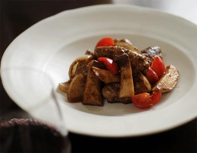 ロール豚のオールスパイスバルサミコ煮