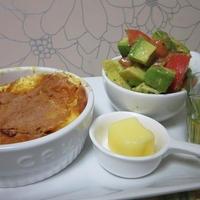レンチンフレンチトーストとアボカドトマトサラダ