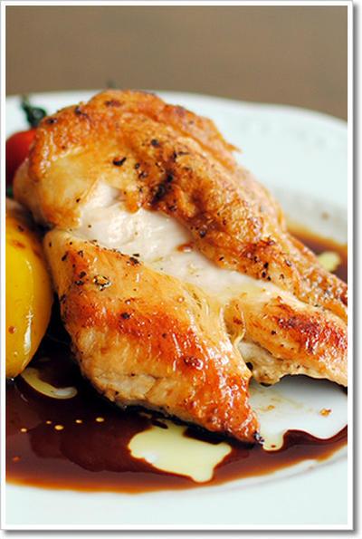 鶏の胸肉のソテー、ペット ディ ポッロと野菜のソテー
