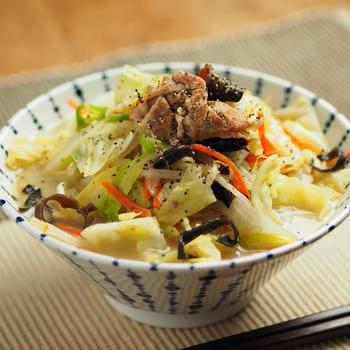 野菜炒めラーメン、インスタントラーメンアレンジ、ちゃんぽん風