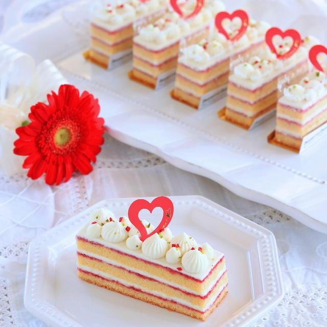 【レシピ】ラズベリーとの相性ばっちり♡ ホワイトチョコのガナッシュケーキ
