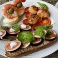 ピンチョス風の夕食  ♪海老とゆで卵・帆立・無花果・ミニパプリカ♪