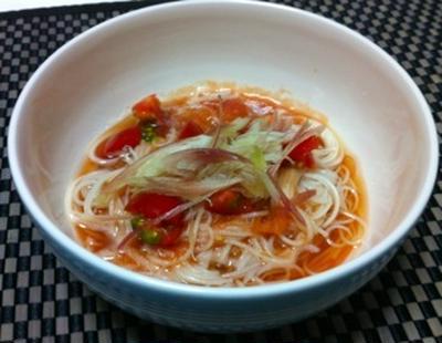 ミョウガたっぷりトマト素麺