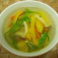 『しめじとシャキシャキ野菜のさっぱり中華スープ』