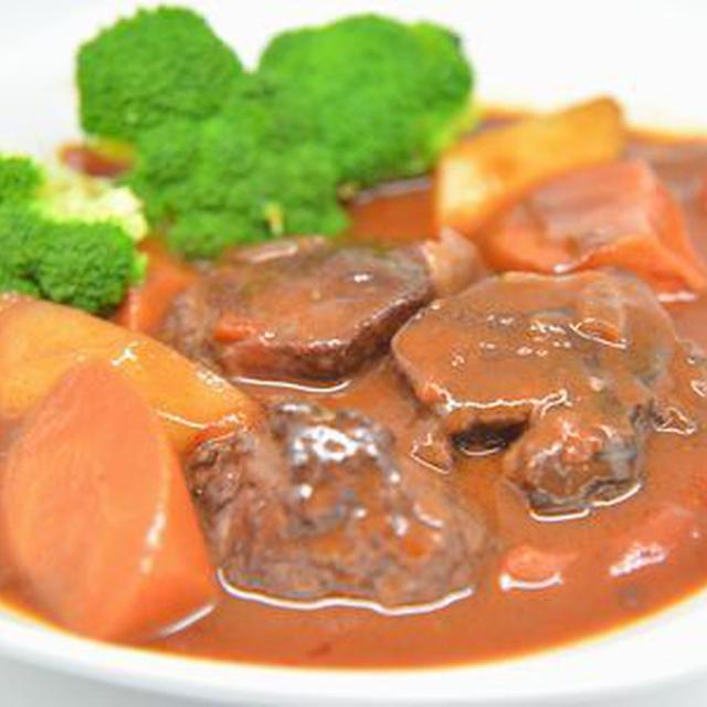 ダッチオーブンで作る豚タンシチュー