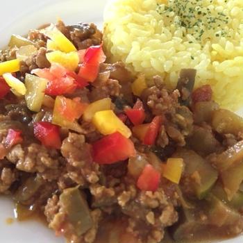 手作りカレーパウダーで作る☆夏野菜たっぷり合挽ミンチ肉のドライカレー♪