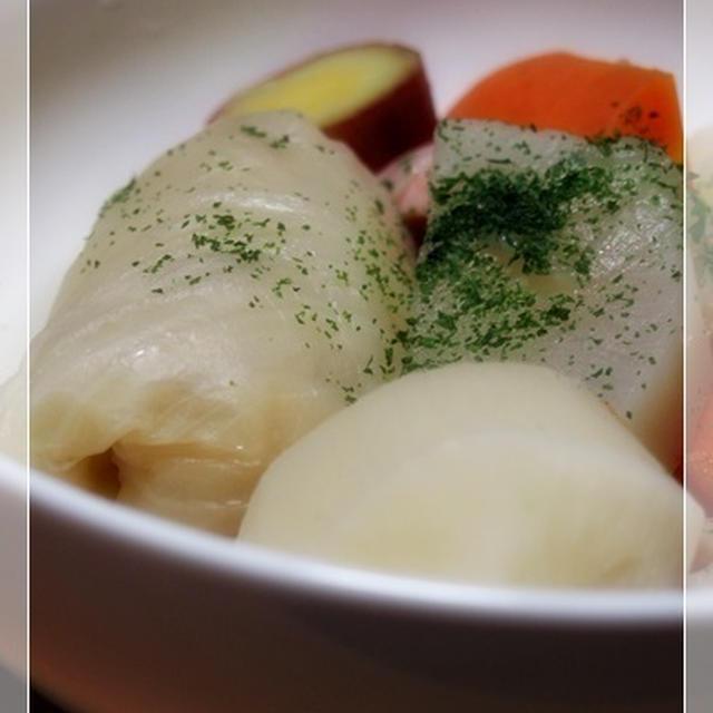 最近話題の塩だけポトフー♪柚子胡椒のアレも添えて。