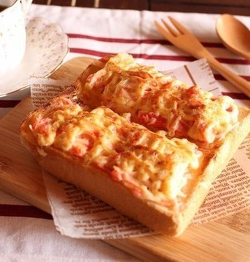 食べごたえアリでお腹も満足♪「カニカマ×食パン」で作る朝食レシピ