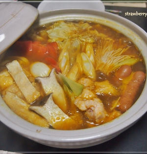 子供も食べれる♪ちょっぴり和風なトマトカレー鍋