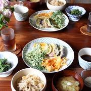 野菜の天ぷら盛り合わせ と 炊き込みごはん。