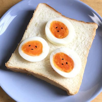 やる気ない(´-`)ゆで卵星人♡のっけパン