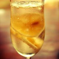 チリ産レモンで、さっぱりレモンスカッシュ