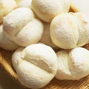 白パンに水あめ