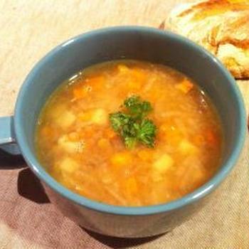 野菜とレンズ豆のリンゴ酵母スープ