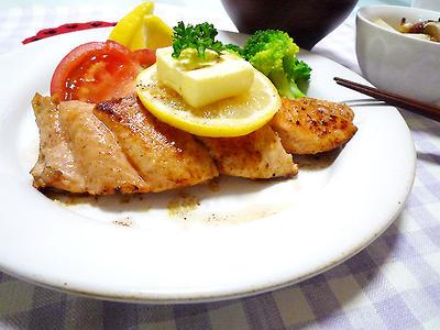 ソースでバリエーションを増やそう!鮭のムニエルのレシピ10選
