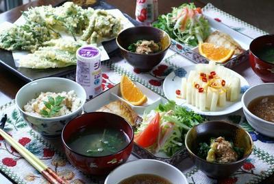 【朝ご飯は和食/昼ご飯は外食でらーめんと餃子】5月3日分です。