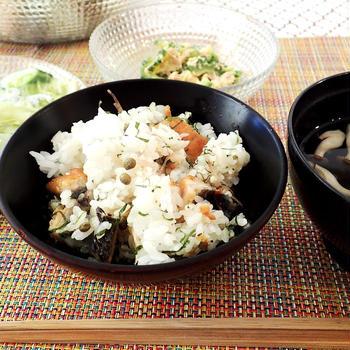 鰻(うなぎ)の混ぜご飯