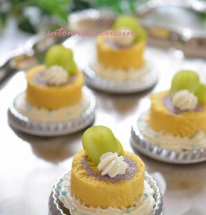 ハロウィン風♬紫芋クリームで米粉ロールケーキ♪