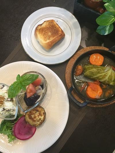 今日のレッスンはロールキャベツ・・早めのランチで試食も楽しい!!