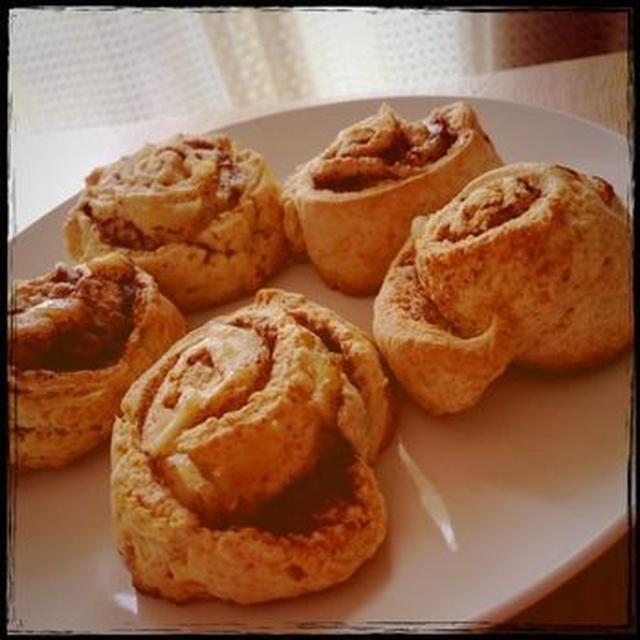 アップルシナモンロールケーキ
