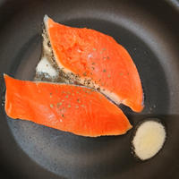レシピ:鮭のバジルバター醤油