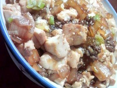 >すき焼き丼 麻婆豆腐仕立て by トムソウヤさん