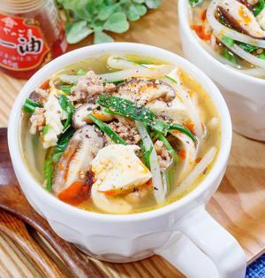 ピリ辛♡豆腐とひき肉ニラもやしの具だくさん中華スープ♪