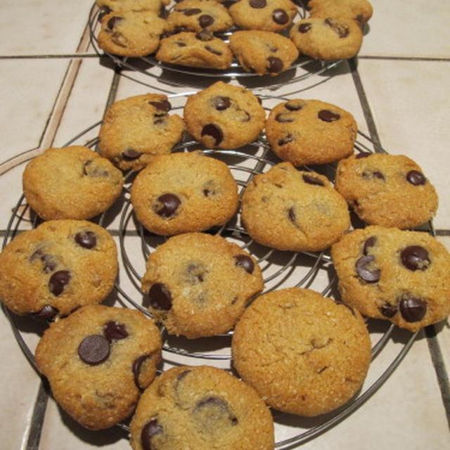 アーモンド・チョコチップ・クッキー  12・2・2011