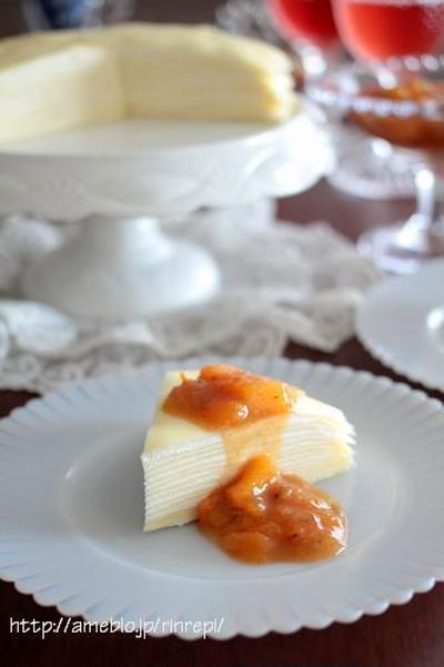 ヨーグルトクリームミルクレープ シナモン柿ソース