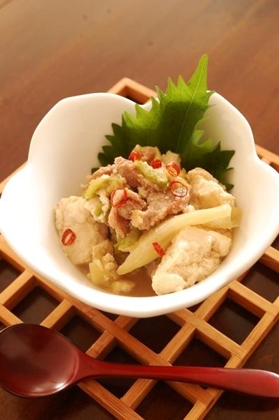 豆腐と豚小間とレタスのさっと煮