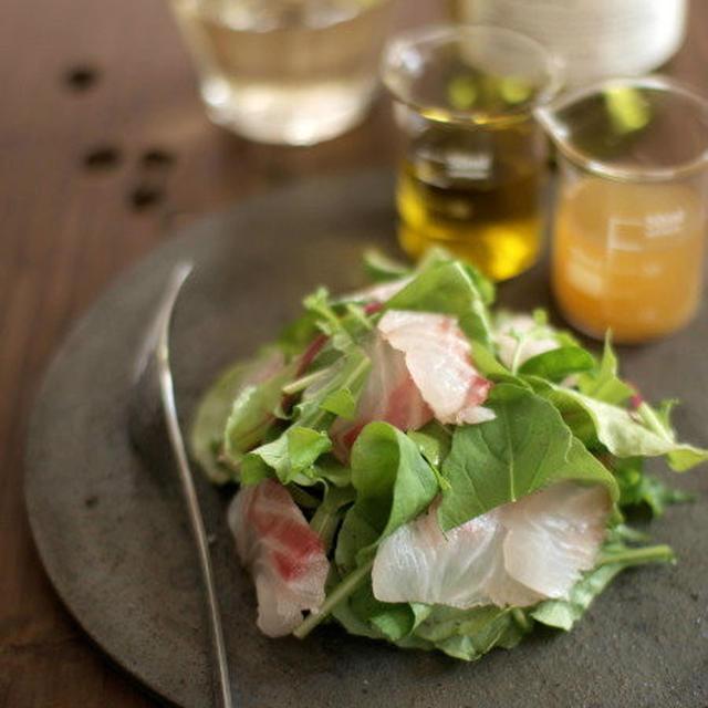 ルッコラ推し、昆布〆真鯛とルッコラのサラダ。