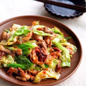 キャベツをもりもり食べたいときに!ごはんが進む「味噌炒め」レシピ
