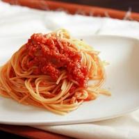 食べるイタリアンラー油でトマトソースパスタ。
