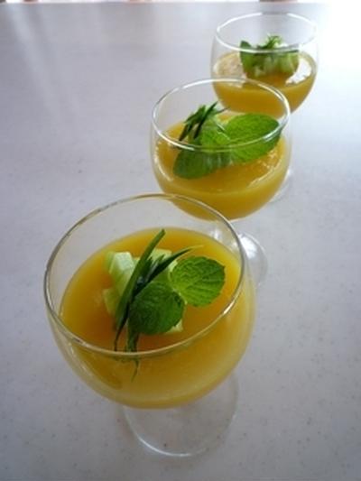 オレンジ☆きゅうりゼリー