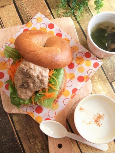簡単カフェ風ランチ♪コストコのベーグルで さんま味噌マヨベーグルサンド