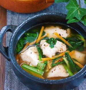 ダイエット中や冷え性の方に♪『鶏むね肉と小松菜の中華風♡とろみ生姜スープ』【#簡単 #スープ #中華風】