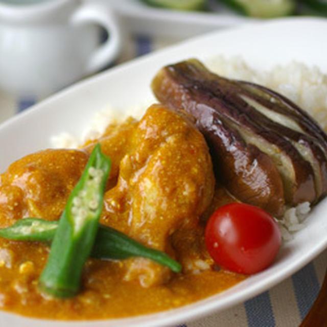 チキンと夏野菜のヨーグルトカレー