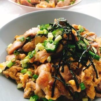 お醤油だけのシンプル親子丼(動画レシピ)