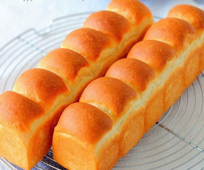 定番の食パンも、牛乳や生クリームで仕込んでミルキーに♪そのままでももちろんおいしく、サンドイッチなど...
