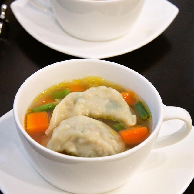 レシピブログ~くらしのアンテナ掲載☆『冷凍餃子で簡単♪☆餃子入り野菜コンソメスープ』