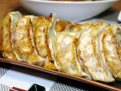 今日の晩ご飯/風邪気味には「餃子と酢豚」、レモン風味の「ツナと水菜のさっぱりコールスロー」でパワーアップ!