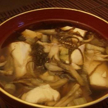豆腐ともずくの酸辣湯風