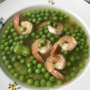 海老とグリーンピースのスープ ♪鞘の出汁を使って♪