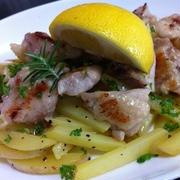 鶏モモ肉とジャガイモのペッパー炒め・レモン