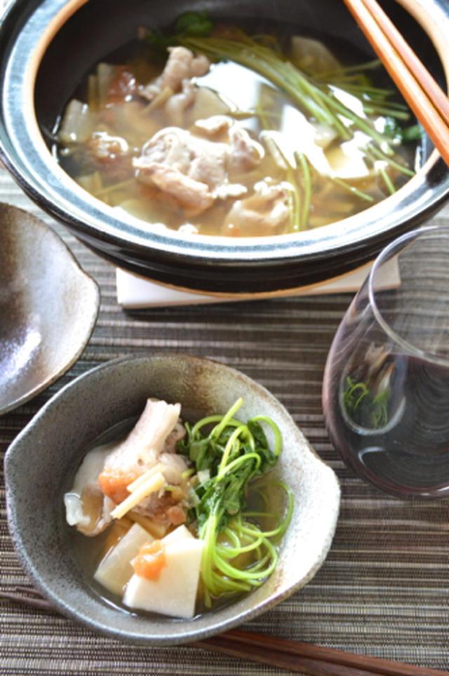 2. 豚しゃぶ肉と三つ葉のあっさり梅生姜鍋