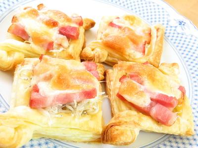 パイシートで簡単♪しらすときのこのチーズパイ