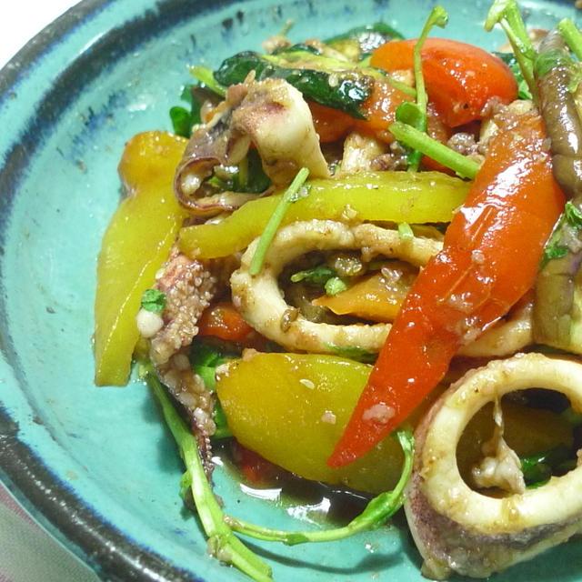 スルメいかと焼き夏野菜のマリネサラダ