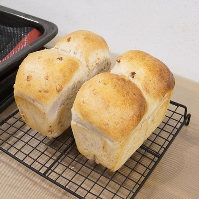 【手作りパン】高級食パンレベルのふわふわに感動!自家製天然いちご酵母の角食&くるみパン♪
