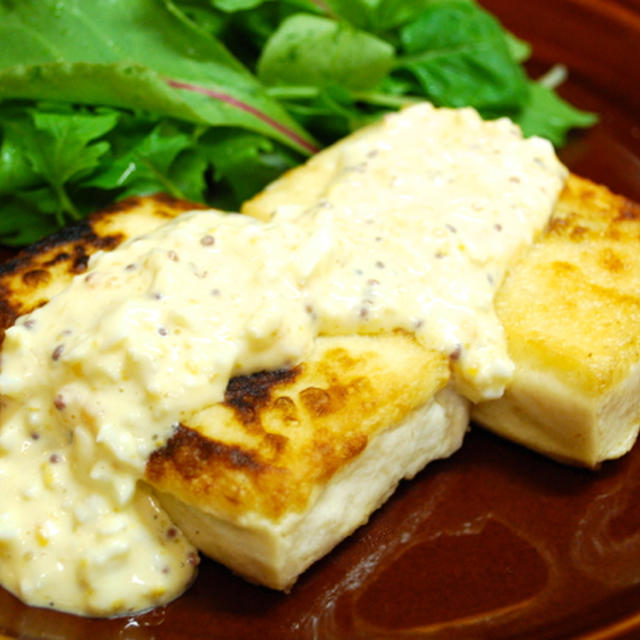 『コクありソースで!豆腐のシンプルステーキ タルタルソース』