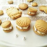 真珠貝クッキーほか プッシュ式の抜き型を使ったクッキーいろいろ